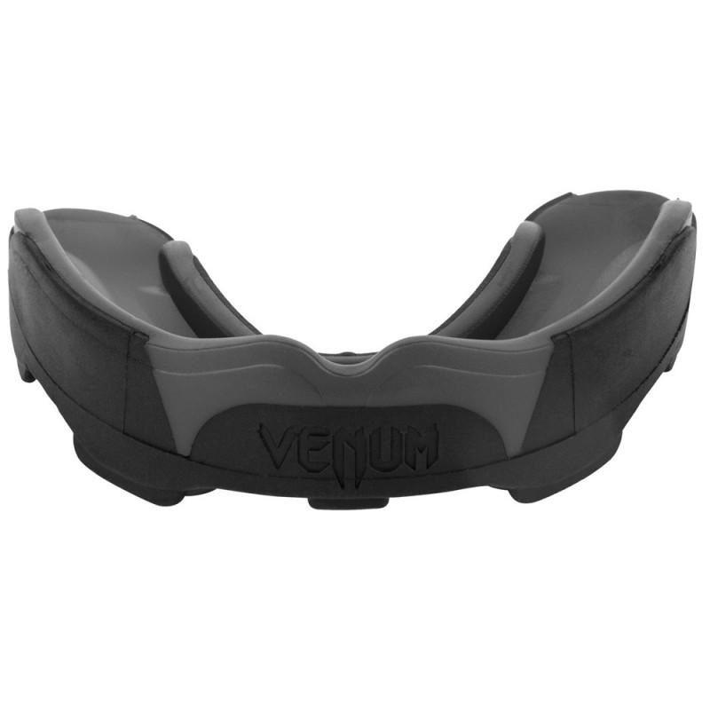 Venum Predator Mouthguard Black Black